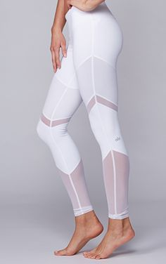 Clean up your workout wardrobe with the Alo Yoga Sheila Legging. #evolvefitwear #yoga #mesh