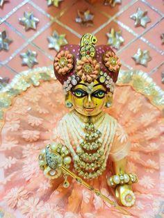 Krishna Radha, Lord Krishna, Laddu Gopal Dresses, Krishna Bhajan, Little Krishna, Bal Gopal, Happy Birthday Quotes For Friends, Ladoo Gopal, Radha Krishna Wallpaper
