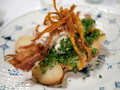 Jomfruens Natmad med hønsesalat, gulerodsfritter, røgede kartofler og bacon (The Maiden's Midnight Snack, with chicken salad, fried carrot strips, smoked potatoes and bacon) at Schønnemann in Copenhagen
