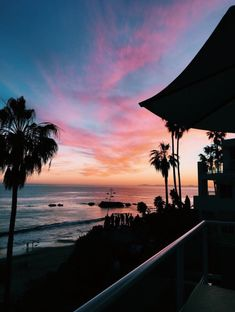 See more of fatmoodz's content on VSCO. Pretty Sky, Beautiful Sky, Beautiful Pictures, Beach Aesthetic, Summer Aesthetic, Photo Wall Collage, Picture Wall, Aesthetic Backgrounds, Aesthetic Wallpapers