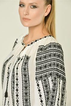 Ie Traditionala Romaneasca Maneca Lunga Motivul CLEPSIDRA Folk Fashion, Ethnic Fashion, Womens Fashion, Traditional Art, Sewing Projects, Costumes, Embroidery, Stitch, Beautiful