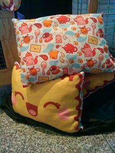 Coussin Biscuit à croquer réalisé en coton : Linge de lit enfants par lafeecorsetee