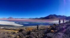 Atemraubende Landschaft in dünner Luft! Im #eduardoavaroa Nationalpark in #Bolivien gibt's vieles zu entdecken. Auf 4000 Metern ist es aber  kalt!  #whataview