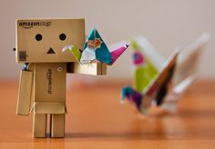 Fly! Box Robot, Amazon Box, Danbo, Little Boxes, Usb Flash Drive, Origami, Paper Cranes, Life, Google Search