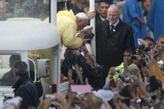 Papal Visit Rewind: A look back at Pope Francis' trip to the Philippines - Yahoo Philippines News Philippine News, News Channels, Pope Francis, Manila, Looking Back, Philippines, Abs, Crunches, Abdominal Muscles