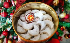 Crescent Cookie Recipe, Crescent Cookies, Cookie Recipes, Dessert Recipes, Desserts, Moon Cookies, Macedonian Food, English Food, English Recipes