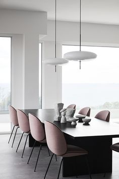44 Stunning Modern Dining Room Furniture Ideas - The dining room should be a retreat away from the hustle and bustle of busy. A modern dinner table is a special place for many, where the family comes. Australian Interior Design, Interior Design Awards, Residential Interior Design, Residential Lighting, Contemporary Interior, Luxury Interior, Room Interior, Dining Room Furniture, Dining Chairs