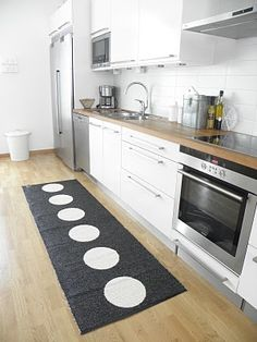 Blog Signe 1 Plastic Rug From Pelina Www Hemlangtan Kitchen Organization Pantry