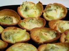 Tartaletas de gorgonzola y manzana, foto 1 Mozzarella, Tapas, Canapes, Sprouts, Food And Drink, Vegetables, Pastel, Diy, Vegetarian Recipes
