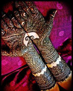 Latest Bridal Mehndi Designs 2012  Pictures