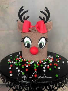 Reindeer cake by Cake Garden Houten Christmas Cake Designs, Christmas Cupcakes, Christmas Sweets, Christmas Baking, Christmas Birthday Cake, Reindeer Cakes, Xmas Food, Novelty Cakes, Cake Decorating Techniques
