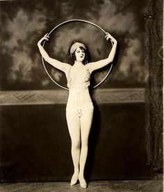Alfred Cheney Johnston and the Ziegfeld Hula Hoop Nudes Mystery | hooping.org