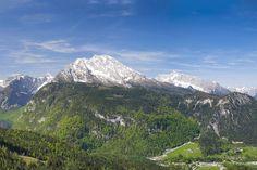 frühlingshaftes Berchtesgadener Land - Panorama über die noch schneebedeckten Gipfel von Steinernem Meer, Watzmann, Hochkalter und Reiteralpe mit tief unten liegendem Königssee #roha https://www.youtube.com/watch?v=Yo2DjDlZmRM