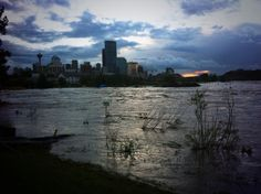 """""""Wanna see an eerie pic? Power is completely out in Downtown Calgary! Mookie Wilson, Calgary, New York Skyline, Canada, Weather, Sunset, City, Places, Instagram Posts"""
