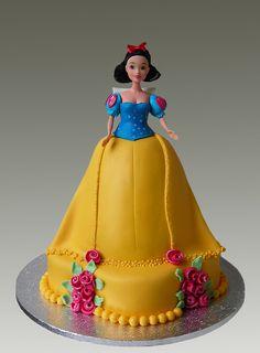 Snowhite Cake Doll Crazy Cakes, Fancy Cakes, Cute Cakes, Beautiful Cakes, Amazing Cakes, Fondant Cakes, Cupcake Cakes, Snow White Cake, Barbie Cake