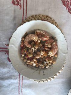 Ceci ,fagioli e frutti di mare con pomodorini,peperoni ,origano ed erba cipollina, senza sale