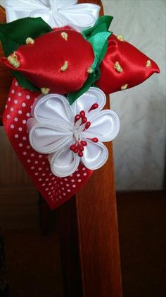 Użyj STRZAŁEK na KLAWIATURZE do przełączania zdjeć Kanzashi, Gift Wrapping, Gifts, Gift Wrapping Paper, Presents, Wrapping Gifts, Favors, Gift Packaging, Gift