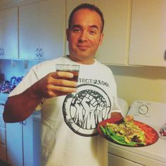 Before I exercise my rights I like to enjoy a nice salad and some tea! ;) #shutitdown #earthlingrights
