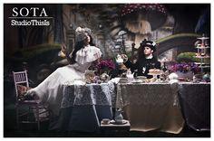 Alice in Wonderland Style Shoot with Sota DZine via www.eleganceandsimplicity.com