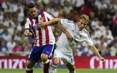 Modric signs Real Madrid extension until 2018 Europa League, Real Madrid, Wrestling, Football, Running, Signs, Sports, The League, Athlete