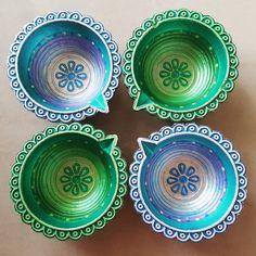 Diya Decoration Ideas, Diwali Decorations, Festival Decorations, Diwali Pics, Diwali Pictures, Bottle Art, Bottle Crafts, Diwali Lantern, Rangoli Designs Diwali