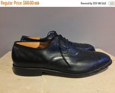 """Allen Edmonds """"Park Avenue"""" BLK Cap Toe shoes Size 11.5 EEE. Shoes are in good condition overall, with minimal wear on heels and soles.    ALL ITEMS SOLD AS IS. ANY DRASTIC WEAR IS DESCRIBED TO THE BEST OF OUR KNOWLEDGE. PLEASE COMPARE MEASUREMENTS TO INSURE FIT. WILL SHIP OVER SEAS WITH EMAIL CONFIRMATION.    To try on, visit us at:  Market Supply Co.  1147 W 18th St  Chicago, IL 60608  b/t May St & Carpenter St   Pilsen    To see more, follow us on IG @midnorthmercantile.   Shop this…"""