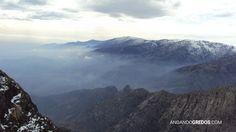 Vistas desde la Peña de Chilla. Abajo los Hermanitos de Tejea. Al fondo la Sierra Llana