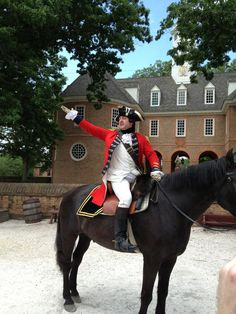 Action shot of Benedict Arnold