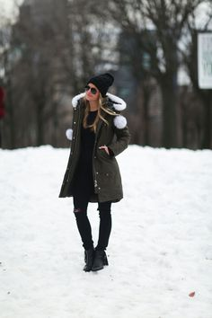 Winter parka - styled snapshots, moose knuckles, central park, nyc, new yor Winter Mode Outfits, Winter Fashion Outfits, Autumn Winter Fashion, Fashion Ideas, Fall Fashion, Snow Fashion, Fall Outfits, Fashion Black, Work Outfits