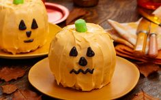 How to Make an Adorable Jack-O'-Lantern Cake