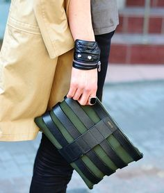 A clutch bag is a hand head carry-all bag that is easy to tuck under your arm to free hands. This green and black leather clutch is a stunning bag inspiration.Power of the clutch – Fiona Johansen Sewell A great example of leather clutch / pouch / handba Man Clutch, Leather Clutch Bags, Black Leather Bags, Leather Purses, Leather Handbags, Clutch Purse, Leather Totes, Black Bags, Men Accessories
