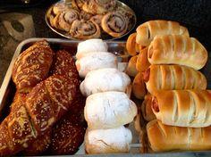 koffiebroodjes, laugenbroodjes, choco- en worstenbroodjes Recept staat op: https://www.facebook.com/kokenenbakkenmetmarion/
