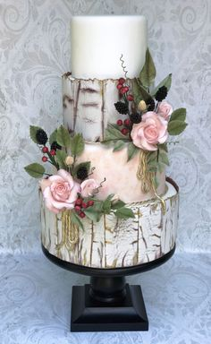 Wedding Cake Crackle effect with sugar flowers