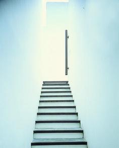 Escalera y Aplique con Iluminación, Octubre Diseño.