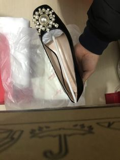 Roger Vivier Shoes, Chanel Ballet Flats, Loafers, Fashion, Travel Shoes, Moda, Moccasins, Fashion Styles, Chanel Ballerina Flats