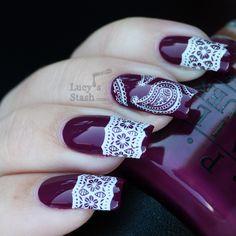 So pretty!! Cool nail art design..