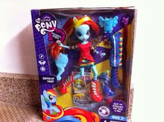 A Rainbow Dash, Equestria Girls doll.