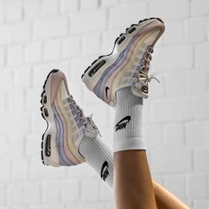 Nike Women's Air Max 95 « Barely Rose » Credit : Asphaltgold — #nike #airmax #sneakerhead #sneakersaddict #sneakers #kicks #footwear #shoes #fashion #style