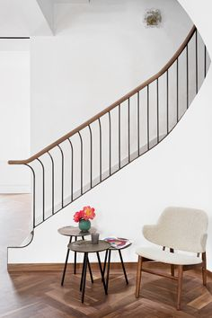 75 Modern staircase ideas: Transform your staircase into something extraordinary | Livingetc Staircase Railings, Staircase Design, Stairways, Staircase Ideas, Railing Ideas, Spiral Staircases, Bannister, New Furniture, Furniture Makeover
