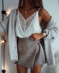 Love this skirt and this top#greyandwhite #outfit#goal#goals#lovelyoutfit