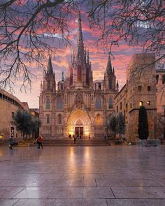 The Cathedral of Barcelona located in the Gothic Quarter Barcelona City, Barcelona Travel, Barcelona Cathedral, Barcelona Catalonia, Gothic Quarter Barcelona, Places To Travel, Places To Go, Travel Destinations, Photos Voyages