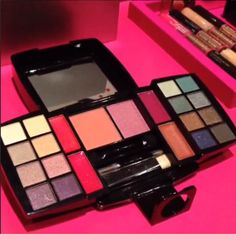 mark Super Color Box Total Face Palette coming in Magalog 11 for the holidays! #makeup #cosmetics (photo from Avon Insider Instagram video)