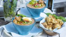 Salmorejo | SVT recept Gazpacho, Fresh Rolls, Potato Salad, Potatoes, Ethnic Recipes, Food, Red Peppers, Meal, Potato