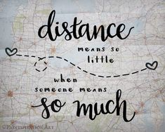 Looking for love quotes to help get you through a long-distance relationship? Here are 40 long distance love quotes to help make the days and nights go by. Long Distance Love Quotes, Long Distance Boyfriend, Long Distance Relationship Quotes, Long Distance Gifts, Long Distance Friendship Quotes, Relationship Advice, Long Distance Wedding, Long Distance Packages, Diy Relationship Gifts