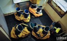 #Fishing #peche #fisherman #boots #yellowsuit #sea #mer #net #filet #seaboat #north #nord #Leopolismagazine #LPM #Lille #LPM0 #photojournalism #editorial