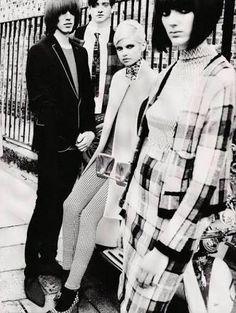 Inspiration for the Cheek pinchy Winter Mod range Sixties Fashion, Mod Fashion, Fashion Beauty, Vintage Fashion, Style 60s, Mods Style, Mod Scooter, Swinging London, Moda Emo