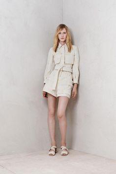 Alexander McQueen Resort 2014 Fashion Show Couture Fashion, Runway Fashion, High Fashion, Fashion Show, Fashion Design, Fashion 2014, Review Fashion, Spring Fashion, Fashion Trends