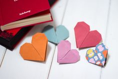 Origami Herzen als Lesezeichen selbermachen!
