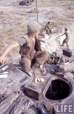 'The Cavalry Moves Out In Vietnam'. Possibly the 11th ACR around 1967.  Photographer: Co Rentmeester. Uncertain attribution.