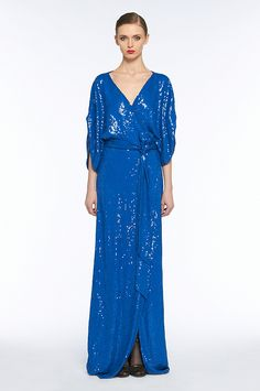 I wish my holiday parties were formal this year. I'd wear this!